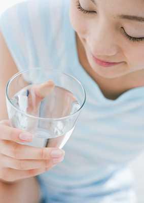 水日ぬるま湯で飲むだけ